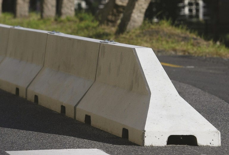 CSB - ROAD BARRIER SMALL